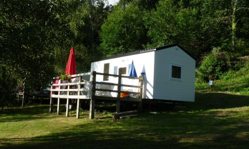 camping_les_chataigniers-bungalow_bambi_min