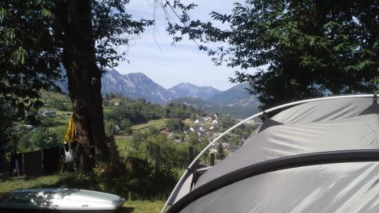 Camping les Chataigniers-arcizans avant - argelès gazost - emplacements spacieux et vue (2)