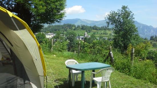 Camping les Chataigniers-arcizans avant - argelès gazost - emplacements spacieux et vue