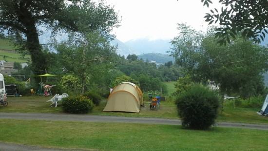 Camping les Chataigniers-arcizans avant - argelès gazost - emplacements spacieux8